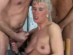 Four guys jizz on faces of hungry aged matures