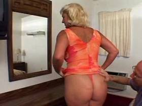 Crummy blonde mature sucks cock and fucks in bed