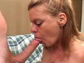 Hungry milf has sex in all holes in crazy gangbang