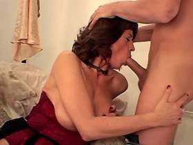 Brunette mature fucks from behind and gets cumshot