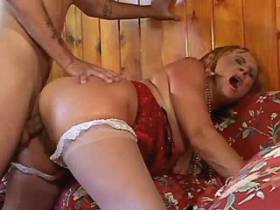 Mature fucks in diff poses and gets cumshot in mouth