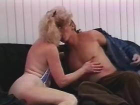 Blonde mature does blowjob and gets licking pussy