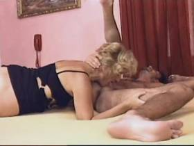 Blonde mature gets cumshot in mouth after hot fuck