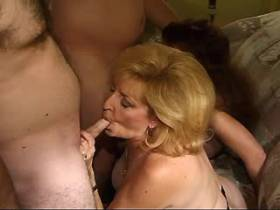 Two depraved matures have hot fuck in hard sexorgy